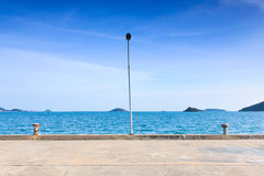 Lampe auf Pier Lizenzfreie Stockfotos