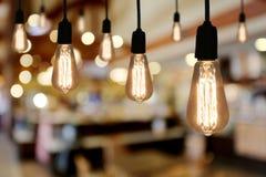Lampe d'éclairage de vintage dans le café de restaurant Photos stock