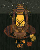 Lampe d'Autumn Night Sky Vintage avec la nuit-mouche Photos stock