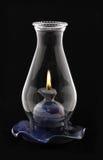 Lampe d'ouragan de Lit d'isolement sur le noir, Images stock