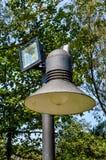 Lampe dans le jardin images libres de droits