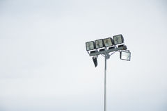 Lampe de champ avec le fond d'isolement de ciel Photos stock