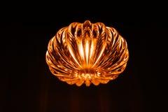 Lampe de conception moderne sur un fond noir Photo libre de droits