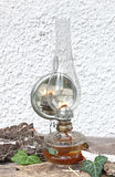 Lampe de kérosène avec un miroir Images libres de droits