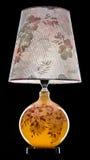 Lampe de table moderne d'isolement sur le noir Photos libres de droits