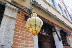 Lampe in den Straßen von Veneza Lizenzfreies Stockfoto