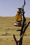 Lampe in der Wüste stockfotografie