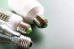 Lampe différente sur le vert Image libre de droits