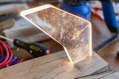 Lampe en bois étrangère Éclairage et woodery Cristal en verre de tesson Mode de vie de travail du bois, éléments écologiques orga photos stock