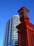 Lampe en verre blanche de rouge de construction Photographie stock