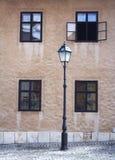 Lampe et hublots Photographie stock libre de droits