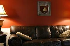 Lampe et le divan Images libres de droits
