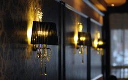 Lampe et papier peint de luxe Image stock
