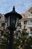 Lampe im Garten außerhalb eines Hauses Stockbild