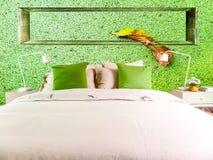 Lampe im mittleren grünen alten Stein bessert Wand am links und am smoot aus Stockfotos