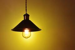 Lampe menée électrique accrochante de vintage Photos libres de droits
