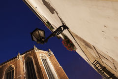 Lampe sur la place de Mariacki à Cracovie Image libre de droits