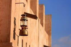 Lampe sur le bâtiment Photos libres de droits