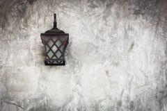 lampe sur le mur Photographie stock