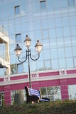 Lampe-torche et un banc Photographie stock libre de droits