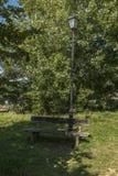 Lampe und Bank königliche Victoria Country Park Lizenzfreie Stockfotografie
