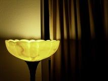 Lampe und Curtian Stockbilder