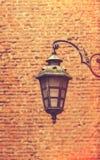 Lampe und Ziegelsteine Lizenzfreie Stockfotos