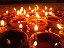 Lampen die in nacht verlichten Royalty-vrije Stock Afbeeldingen