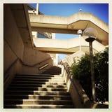 Lampen und Treppe Stockbild