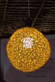 Lampen van bamboe worden gemaakt dat stock foto