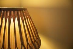 Lampenschirm beleuchtet Hintergrund lizenzfreies stockbild