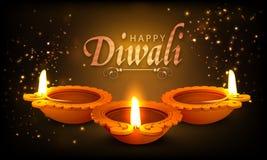 Lampes allumées lumineuses traditionnelles pour Diwali heureux Photographie stock