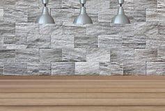 Lampes argentées sur le plafond et un contexte sur un wal de marbre blanc Image libre de droits