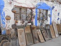 lampes de devant une maison dans des bateaux de potirons de Rhodes et de pâte Images stock