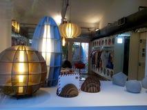 Lampes modernes dans un magasin Photos stock