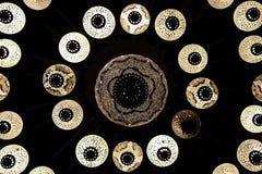 Lampes turques sur le plafond dans l'obscurité Photos libres de droits