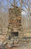 Lampglas från en förstörd kabin i vildmarken Arkivbild