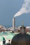 lampglas som pumpar ut salzburg rök arkivfoto