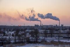 Lampglas som röker bunten Luftförorening- och klimatförändringtema fotografering för bildbyråer