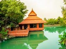 Lamphun, дом кирпича 4-ое мая 2012 даты Таиланда расположенный на ed стоковое фото