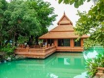 Lamphun, Tailandia data casa con mattoni a vista del 4 maggio 2012 situata sull'ed immagine stock