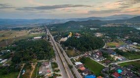 Lamphun, Thailand, 20 December 2016: Het gelijk maken van super weg van La Royalty-vrije Stock Afbeeldingen