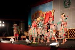 Lamphun THAILAND - mars 19: Thailändsk traditionell klänning. skådespelarear per Royaltyfri Fotografi