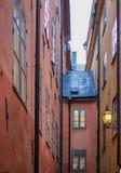 Lampion w wąskiej ulicie Zdjęcie Royalty Free