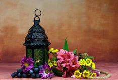 Lampion z kwiatami Fotografia Royalty Free
