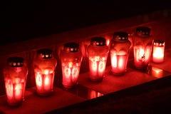 Lampions在坟墓排队了 免版税库存照片