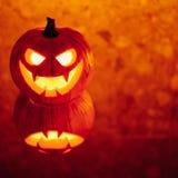Lampionu dyniowy pomarańczowy światło, Halloweenowy tło obrazy royalty free