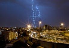 Lampo sopra la città Fotografia Stock Libera da Diritti