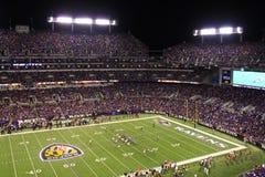 Lampor för NFL-fotbollMåndag natt royaltyfri fotografi