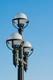 Lampor med en blå himmel Fotografering för Bildbyråer